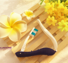 Airline convenient folding toothbrush for travelers